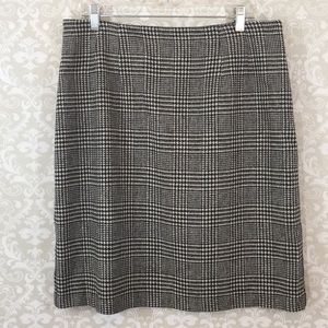 {Savannah} Size 16 Houndstooth Wool Blend Skirt